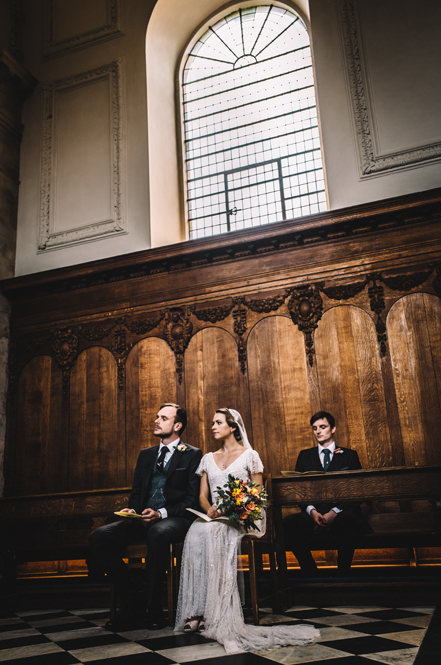 pembroke college chapel wedding photo